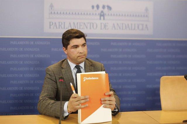 Rueda de prensa del diputado de Cs, Enrique Moreno,presidente de la comisión de