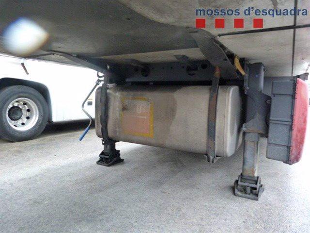 Successos.- Multat un camioner al Prat de Llobregat (Barcelona) per conduir