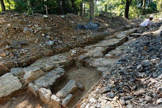 Hallan un tesoro arqueológico de más de 30.000 piezas bajo el zolológico de Río