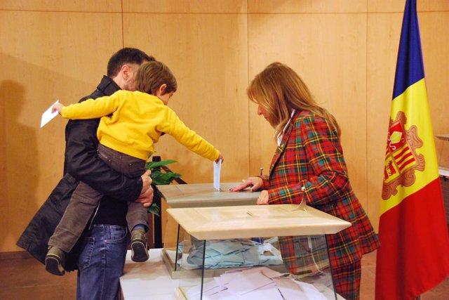 Creix la participació a Andorra en una jornada electoral sense incidncies