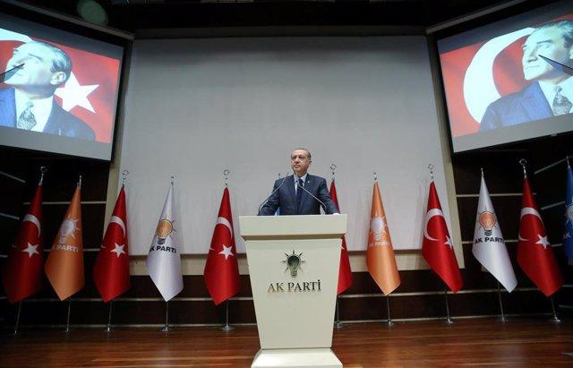 Erdogan regresa al AKP
