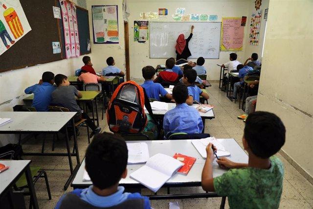 Niños palestinos en un colegio de Jerusalén Este