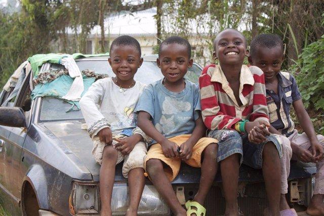 Niños, África,