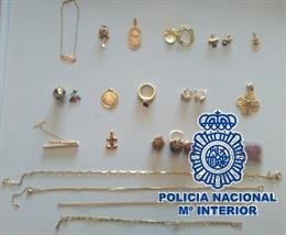 Málaga.- Sucesos.- Detenida en Málaga la cuidadora de una anciana por robarle jo