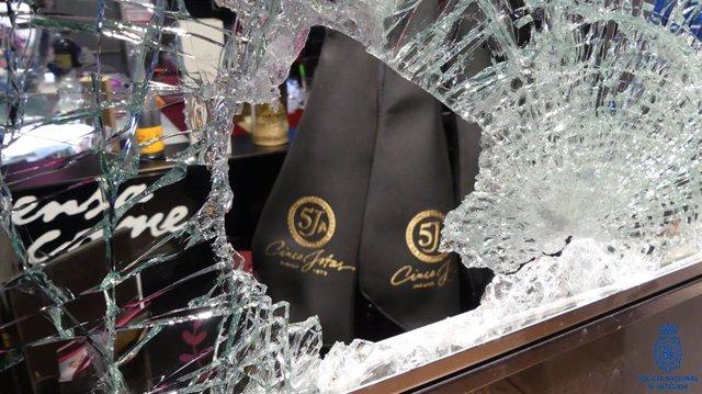 Detenido por robar jamones de una tienda de Santander