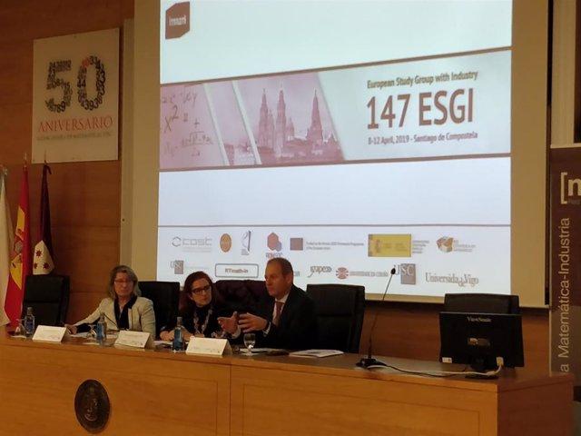 Industria 4.0.- Científicos e investigadores matemáticos estudian en Santiago so