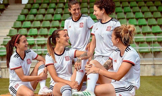 Fútbol.- España