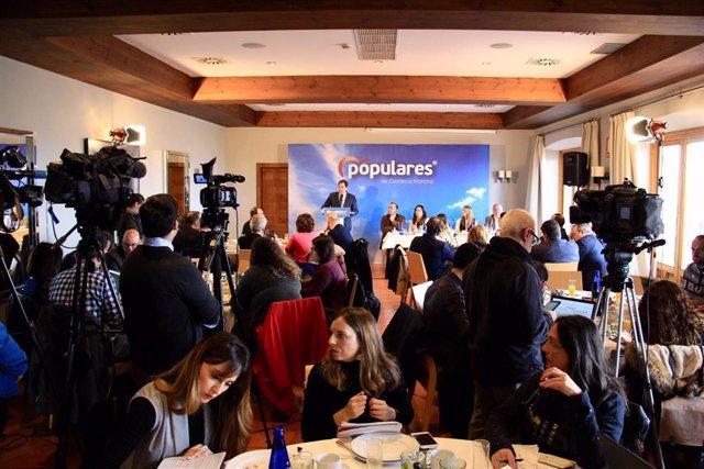 Pp Clm (Nota De Prensa Y Fotografías) Núñez Impulsará Una Ley De Reconocimiento