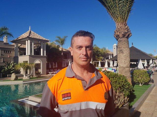 Sucesos.- Un vigilante de seguridad de un hotel salva la vida a un turista tras