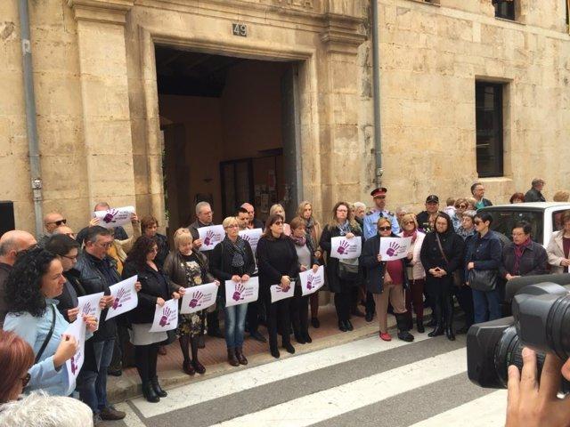 Ulldecona (Tarragona) decreta dos dies de dol per la mort d'una dona asesin