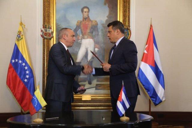 Venezuela y Cuba firman varios acuerdos para crear mecanismos de control en mate