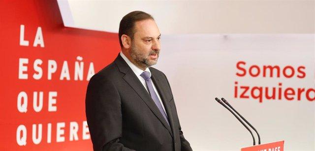 El PSOE marca distancias con exalto cargo de Moncloa imputado por revelación de