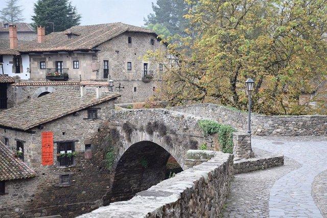 Potes. Cantabria. Turismo. Rural. Liébana. Vacaciones. Viajes. Escapadas. Puente