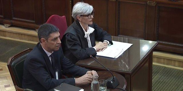 Procés.- La Fiscalia no veu clau el pla de Trapero sobre Puigdemont perqu se'l