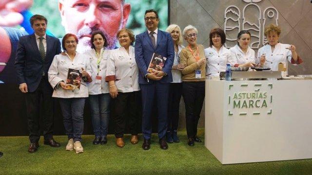 El Club de Guisanderas de Asturias presenta en el Salón Gourmets su libro de rec