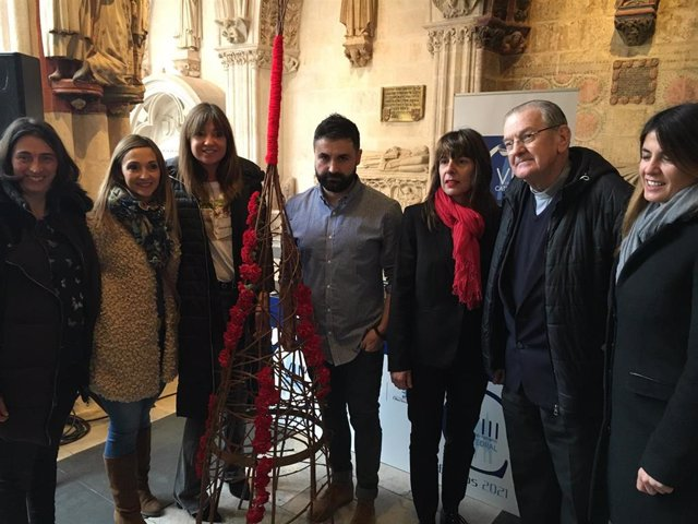 La Fiesta de las Flores se une a las celebraciones de los 800 años de la Catedra