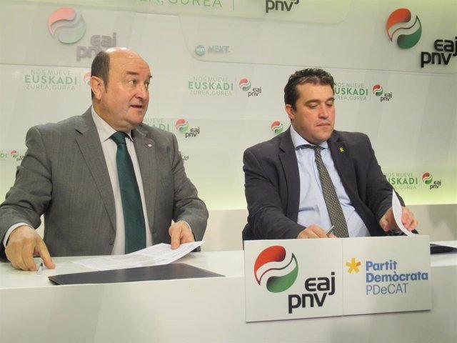 """PNB i PDeCAT subscriuen el seu acord per defensar """"les nacions"""" d'Euskadi i Tast"""