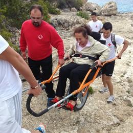 Cerca de 150 personas con movilidad reducida recorren espacios naturales gracias