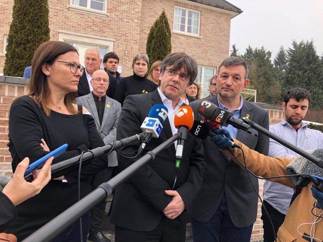 L'expte.C.Puigdemont després de reunir-se amb l'Executiva de l'AMI.