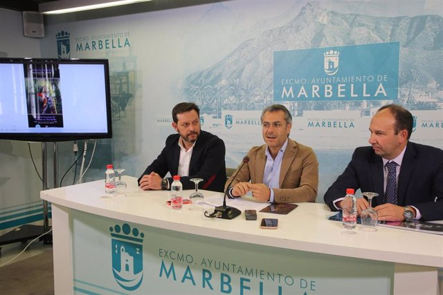 Málaga.- Turismo.- Marbella promociona su Semana Santa en 44 centros comerciales