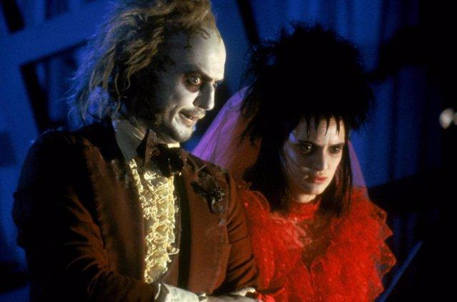 Tim Burton confirma Beetlejuice 2, con Michael Keaton y Winona Ryder