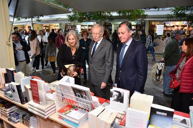 Sevilla.- La Feria del Libro de Tomares contabiliza un 20% más de ventas y defie