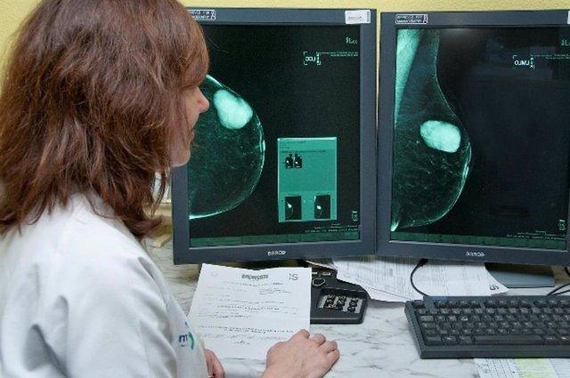 La evaluación de la densidad mamaria varía mucho según el método de selección y