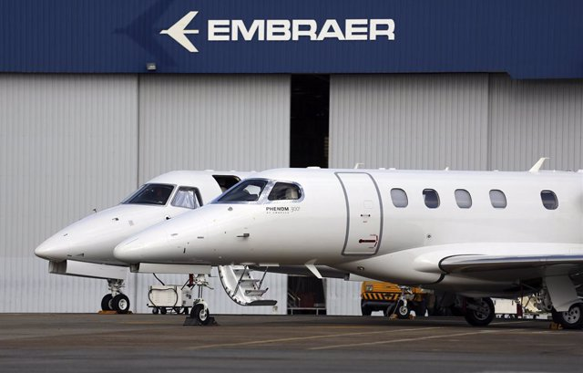 Jets privados son fotografiados en la sede de Embraer en Sao Jose dos Campos