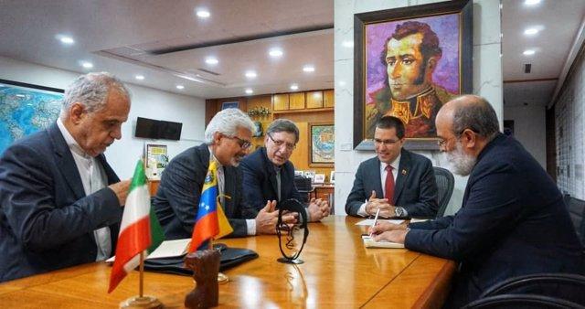 Venezuela.- Arreaza se reúne con una delegación iraní para analizar la situación