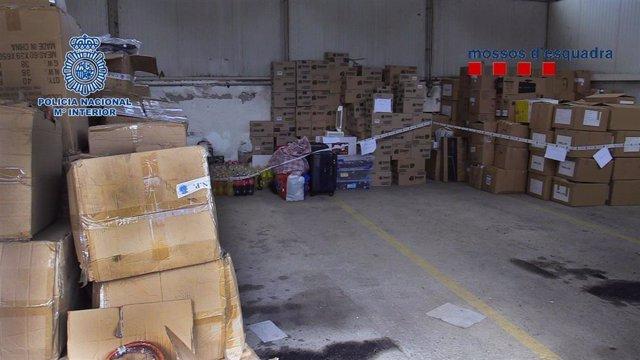 Sucesos.- Desarticulada una red de 'peristas' que vendía material robado de cami