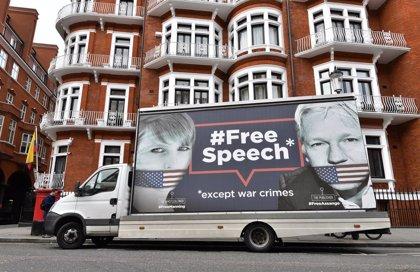 Wikileaks denuncia que Assange está siendo espiado en la Embajada ecuatoriana