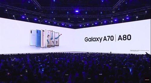 Samsung renombra su gama media como Galaxy A e introduce el Galaxy A80 con un di