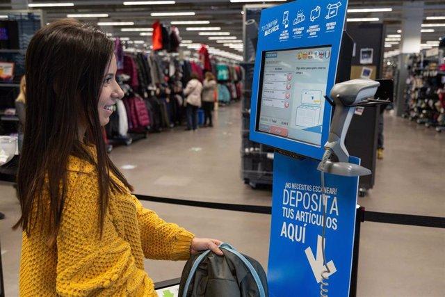 Economía/Empresas.- Decathlon implanta la tecnología RFID en todos sus productos