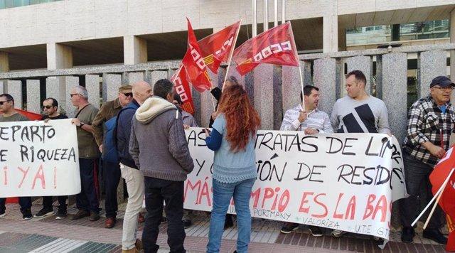 Podemos Sant Antoni defiende a los operarios del servicio de limpieza municipal