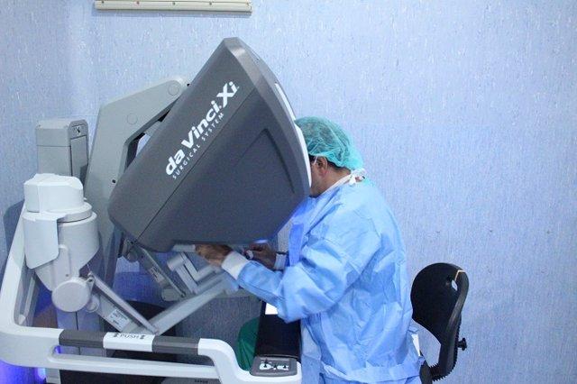 L'Hospital Josep Trueta realitza 138 cirurgies robòtiques en el primer any