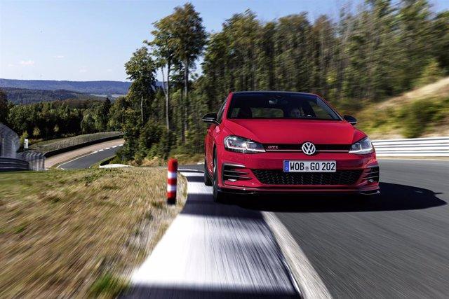 Economía/Motor.- Volkswagen inicia la comercialización en España del Golf GTI TC