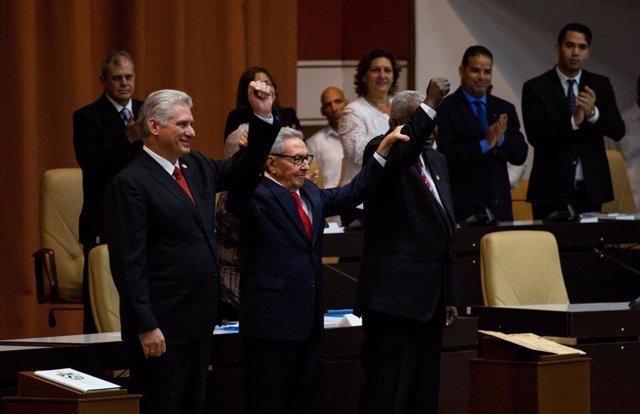 """Cuba.- Cuba promulga su nueva Constitución, que """"garantiza la continuidad de la Revolución"""""""