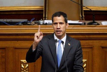 """Guaidó pide """"continuar la protesta"""" para el """"cese de la usurpación"""" en una nueva jornada de protestas en Venezuela"""