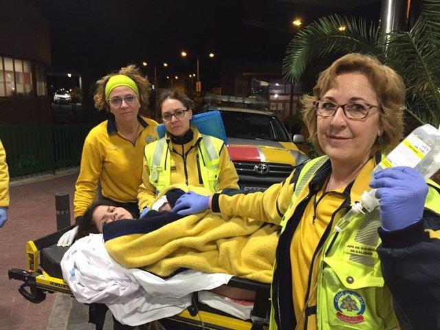 Sucesos.- Una mujer de 30 años da a luz a una niña en la ambulancia camino del hospital