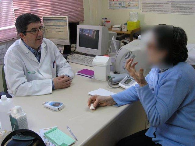 Extremadura.- El SES inicia en Badajoz la implantación de un modelo específico para los pacientes crónicos complejos