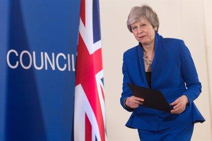 May acata el calendario impuesto por la UE para retrasar el 'Brexit'