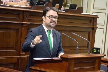 """Antona (PP) obvia los incumplimientos a María Salud Gil y resalta la """"ilusión"""" de la candidatura de Luzardo"""