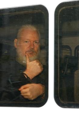 Julian Assange, tras su detención en Londres