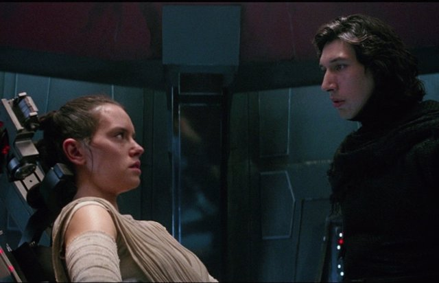 Presuntas filtraciones de Star Wars 9 hablan de un romance entre Kylo Ren y Rey y un nuevo villano