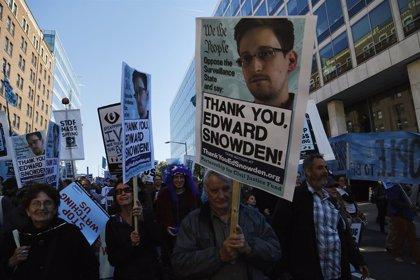"""Snowden sobre la detención de Assange: """"Es un día oscuro para la libertad de prensa"""""""