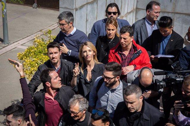 Protesta a la Universitat Autònoma de Barcelona (UAB) davant la presència de Cayetana Álvarez de Toledo (PP)