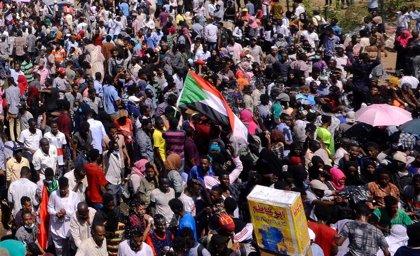 """La Unión Africana subraya que el golpe de Estado """"no es la respuesta apropiada"""" a los """"desafíos"""" en Sudán"""