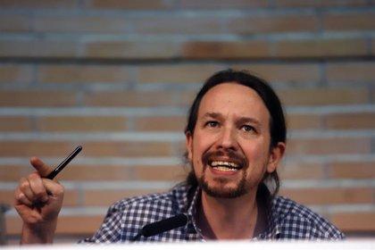 """Iglesias se solidariza con Álvarez de Toledo: """"Es terrible que una candidata no pueda intervenir en una universidad"""""""