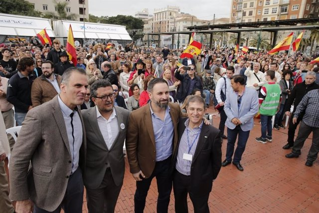 Ortega Smith, Francisco Serrano, Abascal y eugenio moltó VOX Andalucía Málaga 2D