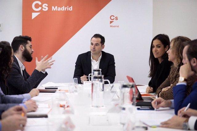 El portavoz de Ciudadanos, Ignacio Aguado, se reúne con el Comité Autonómico de